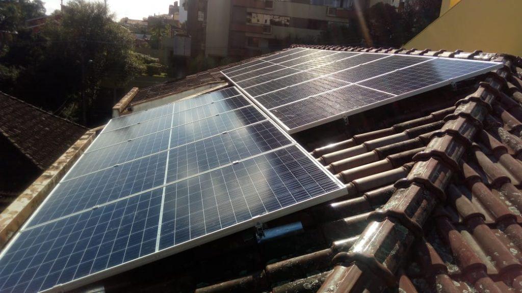 Instalação de energia fotovoltaica na cidade de Porto Alegre