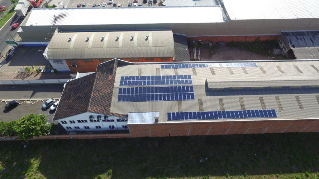 Instalação de energia solar na indústria