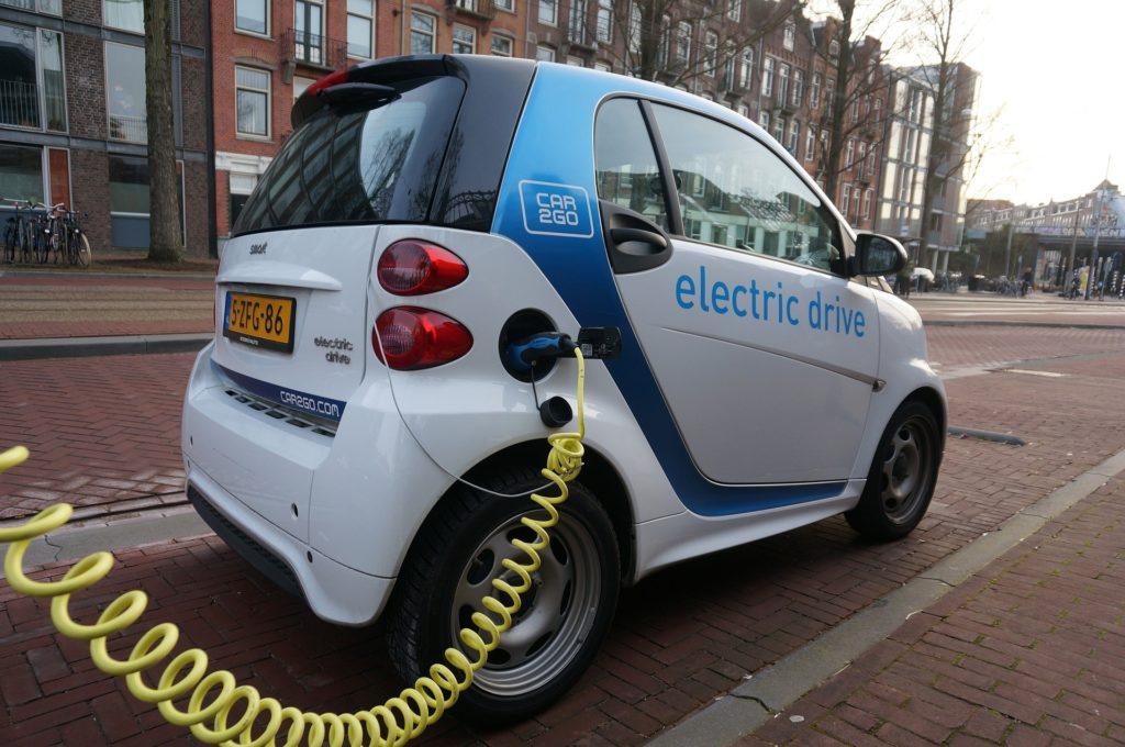 Carro elétrico - Elysia energia limpa